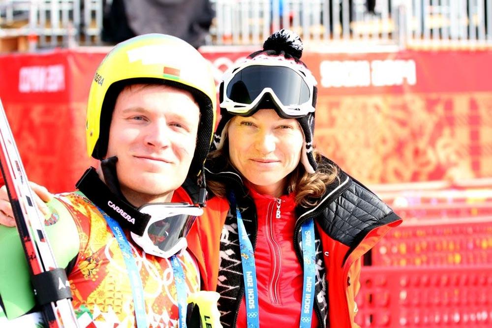 Юрий Данилочкин с мамой, тренером и продюсером